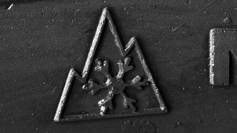 What tires have the mountain snowflake symbol